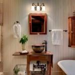 12-mobila din lemn si lambriu in baie rustica