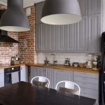 12-mobila gri decor bucatarie amenajata in stil scandinav perete placat cu caramida aparenta