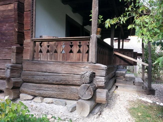 12 model imbinare lemn casa la tara