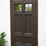 12-model poarta pietonala rustica din lemn masiv cu insertii din fier forjat