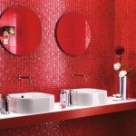 12-mozaic rosu obiecte sanitare albe decor baie moderna