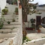 12-o alta ulita printre casele vechi de pe Hydra