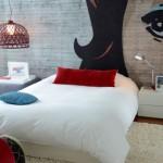 12-perete de accent cu desen decorul peretelui de la capul patului din dormitor