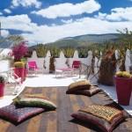 12-pernute decorative de podea in culori vii pentru terasa