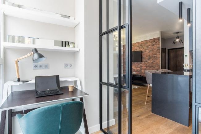 12-spatiu de lucru birou amenajat in balconul apartamentului de 47 mp