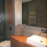 13-baie moderna amenajata in stil minimalist apartament modern Spania