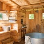 13-baie rustica finisata cu lemn cada din tabla ferma pensiune ecologica coasta de azur franta