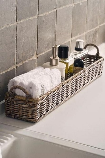 13-cos impletit pentru organizarea produselor de ingrijire din baie