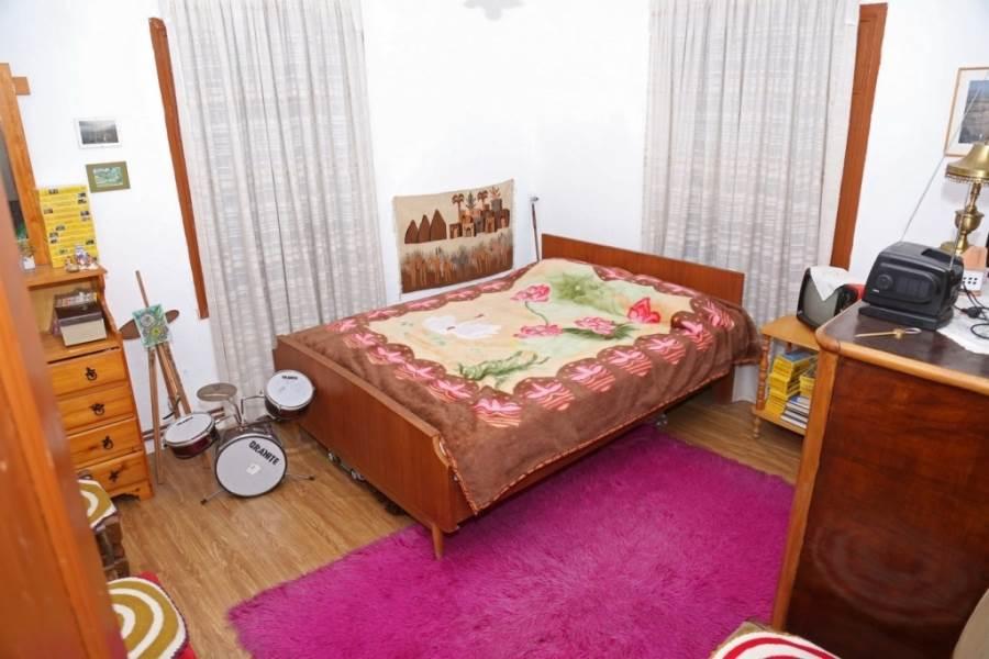 dormitor 4 casa piatra Grecia