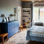 13-dormitor matrimonial parter casa amenajata in incinta unei scoli parasite