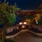 13-loc relaxare canapele zidite si semineu terasa promontoriu manastire hotel santa rosa amalfi