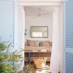 13-obloane din lemn culoare bleu usi si ferestre casa amenajata in stil mediteranean
