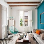 13-perete de accent bleu decor living amenajat in alb si gri