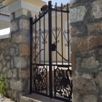 13-poarta dubla pietonala din fier forjat gard din piatra