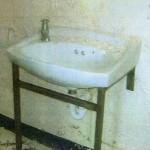13-toaleta publica abandonata inainte de transformare