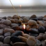 14-aprinderea focului din semineul decorativ portabil DIY