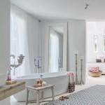 14-baie moderna minimalista alba cu accente decorative rustice