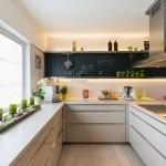 14-bucatarie moderna de suprafata medie in alb si negr