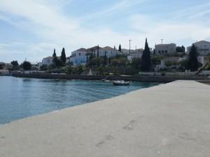 14-case construite pe malul marii in Spetses