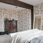 14-decor rustic dormitor mansardat apartament 3 camere