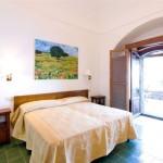 14-dormitor hotel torre di clavel positano amalfi italia