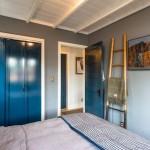 14-dormitor incapator gri cu dulap albastru