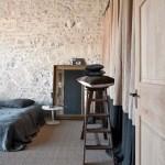 14-dormitor rustic mare fosta moara restaurata casa provence franta