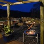 14-gratar si loc de relaxare in curtea casei de vacanta din Devon Anglia