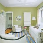 14-mic living de apartament pereti vernil mobilier alb