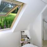 14-peisaj de pe fereastra dormitorului din mansarda cabanei din piatra