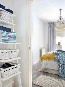 14-vedere din baie spre dormitorul matrimonial al apartamentului