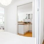 14-vedere din dormitor spre living si bucatarie casa mica fara etaj