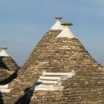 15-acoperisuri conice din piatra trulli alberobello italia