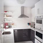 15-amenajare bucatarie moderna in stil scandinav cu mobila desfasurata pe 3 laturi