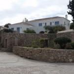 15-casa mare frumoasa cu gard din piatra pe insula Spetses