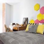 15-dormitor am amenajat in stil retro cu detalii colorate