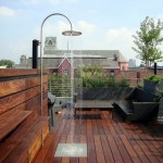 15-dus de vara racoritor amenajat pe acoperisul unui bloc