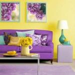 15-living pereti galbeni canapea violet accente cromatice verde smarald