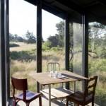15-mic loc de luat masa in veranda casei mici de 51 mp