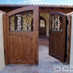 15-model poarta pietonala dubla stil rustic din lemn masiv si fier forjat