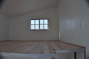 15-pat suprainaltat casa mica structura lemn