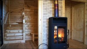 15-scara interioara din lemn si godin din fonta interior casa mica din lemn