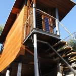 15-scara metalica cu trepte din lemn acces casuta din copac