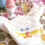 15-servet decorat cu mutrite de iepurasi decor masa festiva de Pasti
