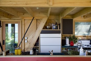 16-bucatarie mica open space casa ecologica 51 mp
