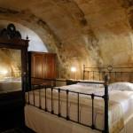 16-camera amenajata in pestera veche hotel cappadocia turcia