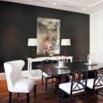 16-dining mobila de culoare alba si perete de accent zugravit in negru