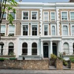 16-fatada bloc stil victorian Notting Hill in care se afla apartamentul familiei Rowland