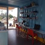16-interior refugiu mic pentru vacanta de vara din containere maritime