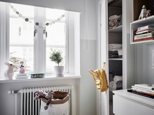16-mobilier si decor fereastra camera bebe alba stil scandinav